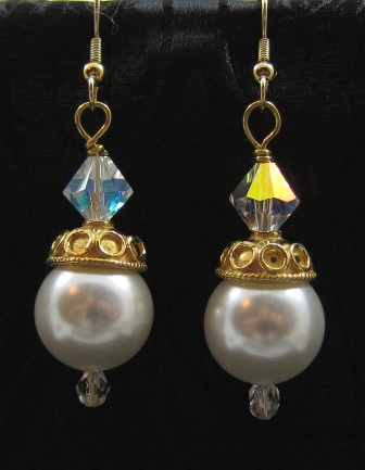 White shell pearl and vermeil earrings