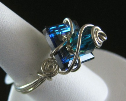 Sterling silver with Swarovski bermuda blue square crystal ring - Size 8 1/2