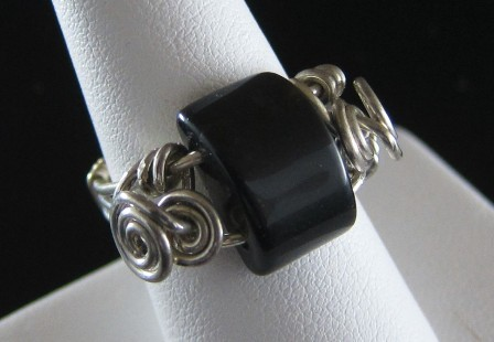 Sterling silver black onyx gemstone ring - Size 8