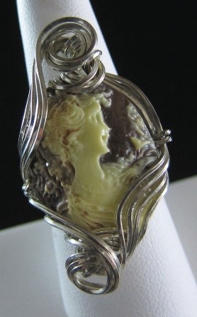 Anastasia cameo in hand sculpted sterling silver wire ring - Size 8