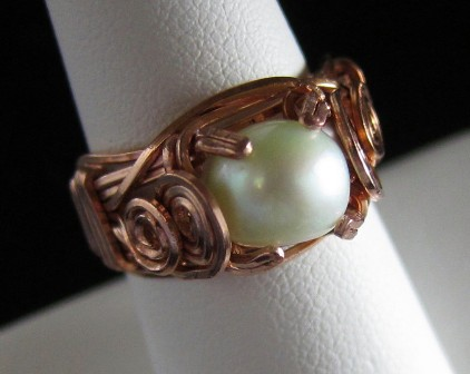 Copper wire and mint green pearl ring - Size 6 1/2