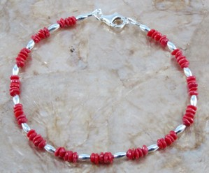 Red coral chips and silver plated oval beaded anklet