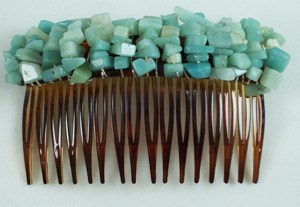 Green adventurine gemstone chip comb